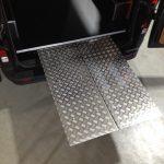 bedrijfswageninrichting rijplaten efficient onder de vloer